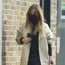 Jennifer Lawrence – Steps out to meet friends for lunch in New York