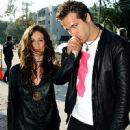 Alanis Morissette and Ryan Reynolds - 450 x 600