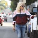Gwen Stefani – Shopping in Beverly Hills
