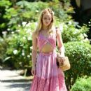 Suki Waterhouse in Pink outfit out in West Hollywood - 454 x 685