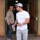 Mark Wahlberg heads through Beverly Hills on February 04, 2016 - 417 x 600
