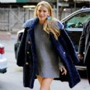 Blake Lively in a cute grey outfit out in New York - 454 x 737