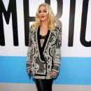 Gwen Stefani:40th American Music Awards