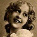 Jewel Carmen