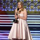 Elisabeth Moss : 69th Annual Primetime Emmy Awards - 433 x 600