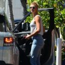 Kelly Rohrbach – lLaving Fred Segal in West Hollywood - 454 x 683