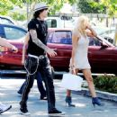 Pamela Anderson - Starbucks In Malibu For Some Coffee With Friends, 17.06.2008.