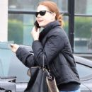 Amy Adams in Jeans – Shopping in Beverley Hills - 454 x 681