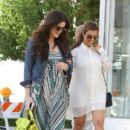 Kourtney &  Khloe go shopping