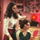 Ashton Kutcher and Mila Kunis - 454 x 646