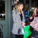 Holly Valance – Outside the Ivy Chelsea Restaurant in London - 454 x 717