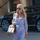 Nicky Hilton exits Barney's New York - 454 x 796
