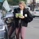 Kristen Bell – Hits the gym in Los Feliz
