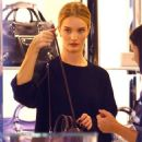 Rosie Huntington Whiteley Shopping At Barneys New York In Beverly Hills