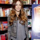 Kate Beckinsale Kicks Off National Reading Month