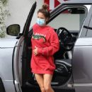 Brooke Burke – In an oversized red sweater in Malibu - 454 x 636