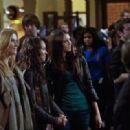 The Vampire Diaries (2009) - 454 x 319