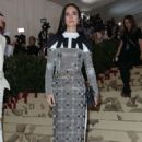 Jennifer Connelly – 2018 MET Costume Institute Gala in NYC - 454 x 668