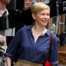 Michelle Williams at the 'After The Wedding' set in Manhattan - 454 x 712
