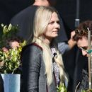 Jennifer Morrison – Filming 'Once Upon a Time' in Vancouver September 24, 2016 - 454 x 475