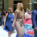 Tyra Banks – Simon Cowell Star On The Hollywood Walk Of Fame Ceremony in LA