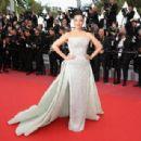 Aishwarya Rai Bachchan : 'Sink Or Swim (Le Grand Bain)' Red Carpet  - The 71st Annual Cannes Film Festival - 454 x 308