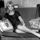 Mandy Rice-Davies - 454 x 367
