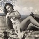 Lucia Bosé - 454 x 383
