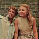 Frank Converse and Juliet Mills in