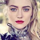 Dakota Fanning - Elle Magazine Pictorial [Canada] (November 2016)