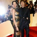 L'Wren Scott and Mick Jagger at 2011 MET Costume Institute Gala - 377 x 594