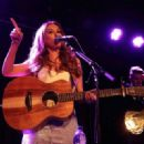 Una Healy – Performs live at the Lexington on Pentonville Road in London - 454 x 330