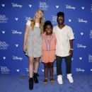 Veronica Dunne – Disney's D23 EXPO 2017 in Anaheim - 454 x 363