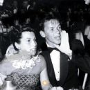 Frank Sinatra and Nancy Barbato - 371 x 464