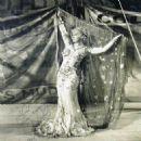 Mae West - 454 x 463