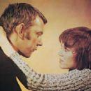 Donald Sutherland and Jane Fonda - 454 x 331
