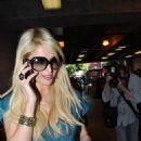 Paris Hilton - At Kitson Boutique In Los Angeles, 2009-10-28