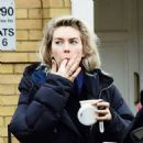 Vanessa Kirby – with her parents checking out Georgian style 3 story house in North London - 454 x 455