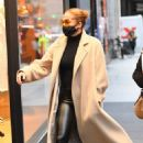 Jennifer Lopez – Shopping candids at the Dior boutique in New York