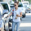 Natalie Portman in Gym Outfit – Out in Los Angeles - 454 x 681