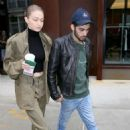 Gigi Hadid and Zayn Malik Leaving her home in New York - 454 x 681