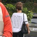Kate Beckinsale in Black Leggings – Shopping in Brentwood - 454 x 681