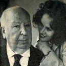 Alfred Hitchcock and Karen Black - 454 x 579