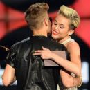Miley Cyrus and Justin Bieber - 454 x 378