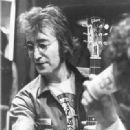 John Lennon - 319 x 346