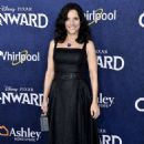 Julia Louis-Dreyfus – Posing at 'Onward' premiere in Hollywood - 454 x 681