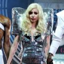 Lady GaGa cryes on stage!