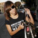 Eva Longoria 2009-06-30 - Leaving Ken Paves Hair Salon In LA - 454 x 681