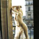 Claudia Schiffer - Vogue Magazine Pictorial [Italy] (November 2008) - 454 x 605