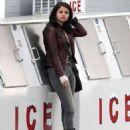 Selena Gomez Smoking In Atlanta